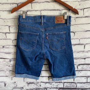 Levi's Bermuda Shorts SZ 27